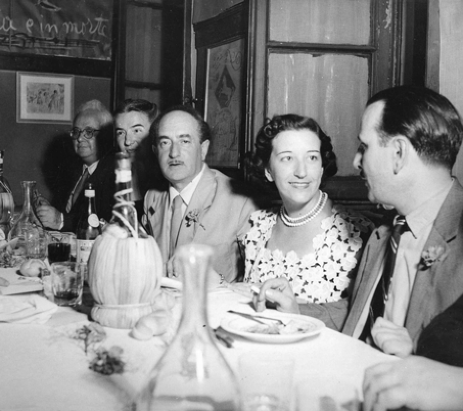 Left to right: Francesco Flora (writer and literary critic), Germana Marucelli, Salvatore Quasimodo (poet and 1959 Literature Nobel Prize laureate), Maria Luisa Spaziani (poet), Gian Siro Ferrata (literary critic) at the Ristorante Bagutta, Milan, during the prize-giving ceremony of the second edition of the San Babila Prize, 12 June 1950. Quasimodo is proclaimed the winner © Patellani | Archivio Germana Marucelli