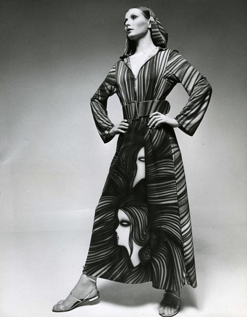 Germana Marucelli, abito linea Saio, primavera/estate 1971. Motivi decorativi a stampa ideati da Moreno © Bob Krieger | Archivio Germana Marucelli